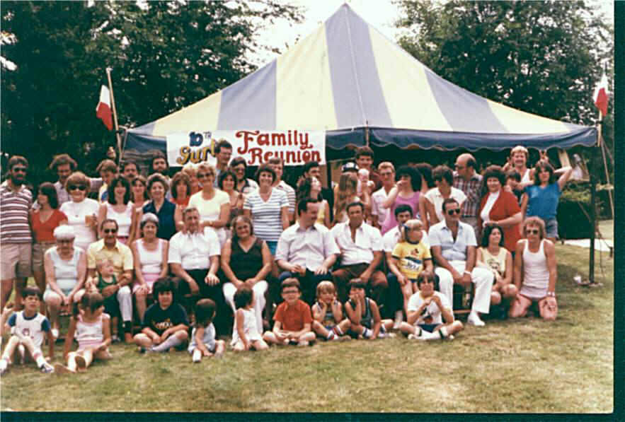 Reunions 1981 10th reunion group photo 2.jpg (101373 bytes)
